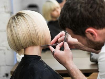 I parrucchieri in crisi nera