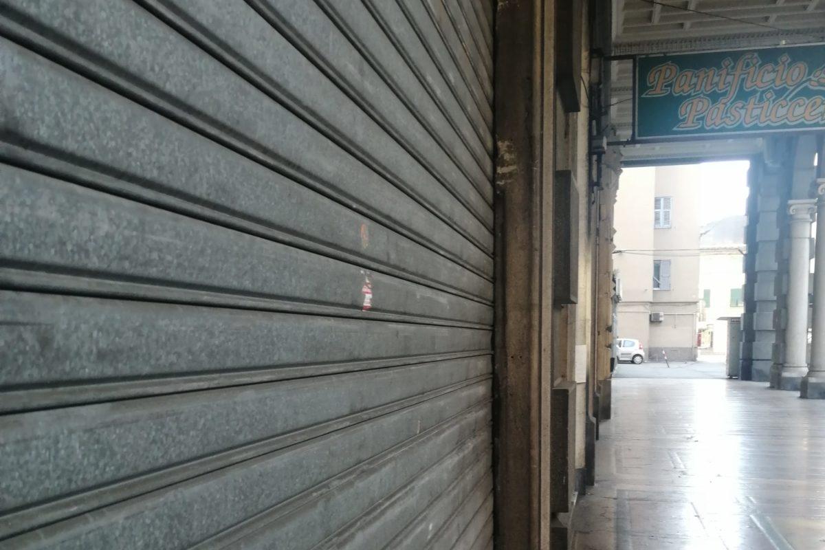 Migliaia di negozianti liguri a rischio chiusura
