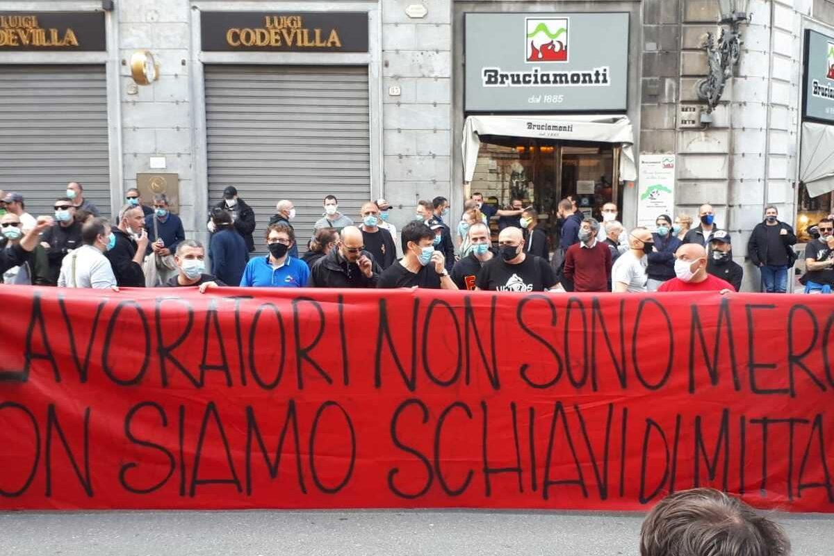 Genova paralizzata per il corteo ArcelorMittal