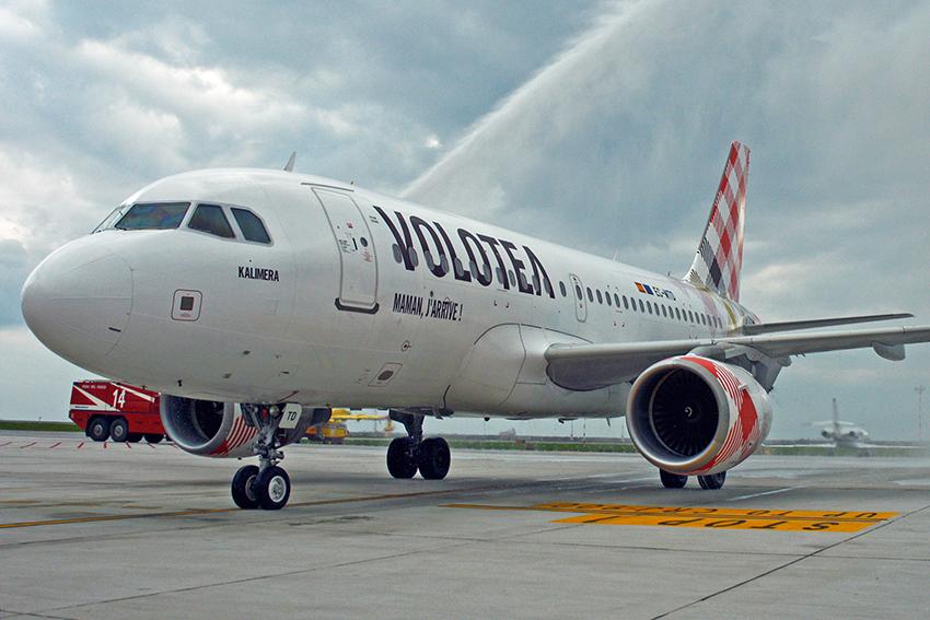 Aeroporto Cristoforo Colombo, tutti Airbus 319 gli aerei di Volotea